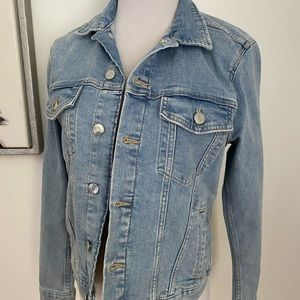 H&M Light Wash Denim Jean Jacket Size Small